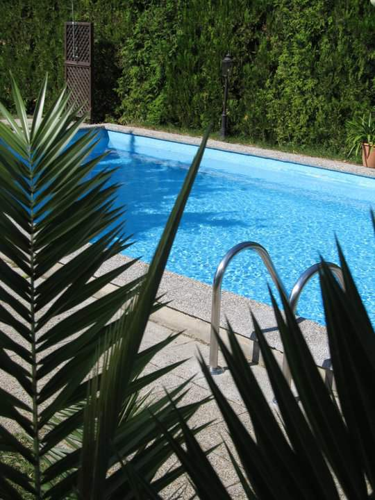 Pool im Garten in der Pension in Balatonfüred